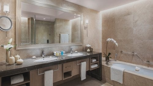 Projects Hotel  Bathroom  Crema Lucida